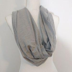 Threads 4 Thought gray womens convertible scarf